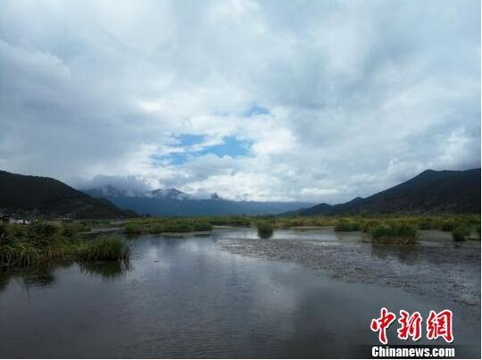 走进泸沽湖:在旅游发展与生态保护间寻找平衡